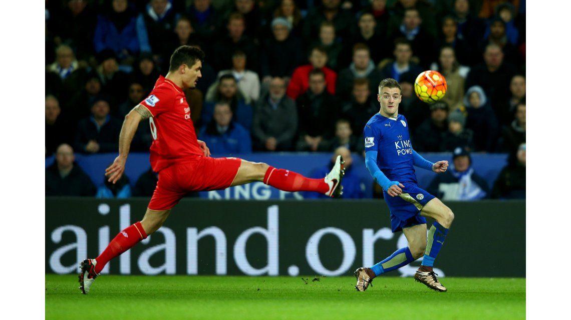 La revelación de la Premier metió un golazo y el Leicester sigue puntero