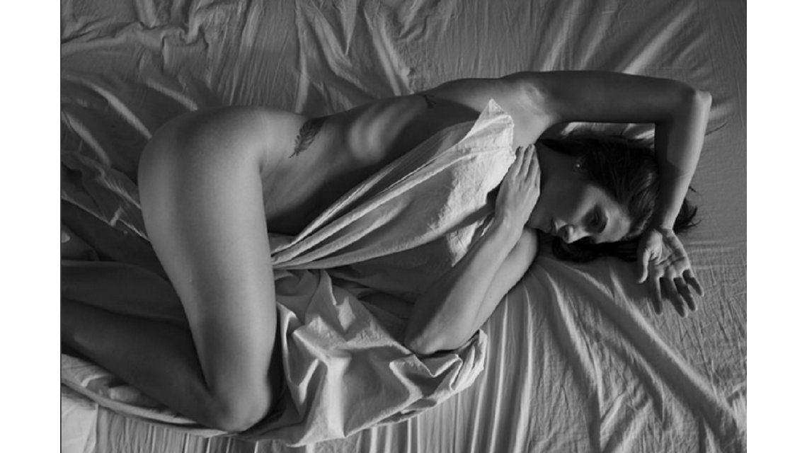 Ivana Nadal revolucionó las redes con una foto desnuda en la cama