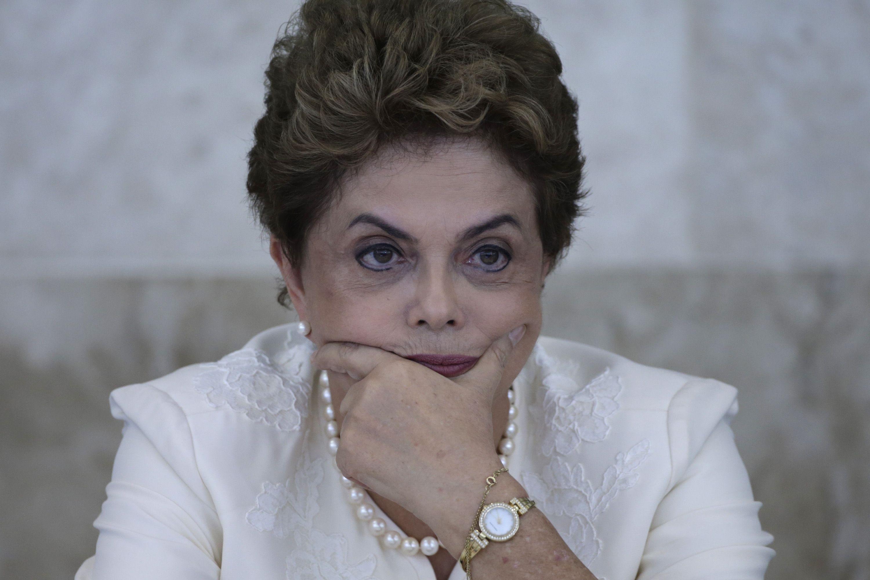 Brasil tuvo en 2015 su peor déficit en 14 años