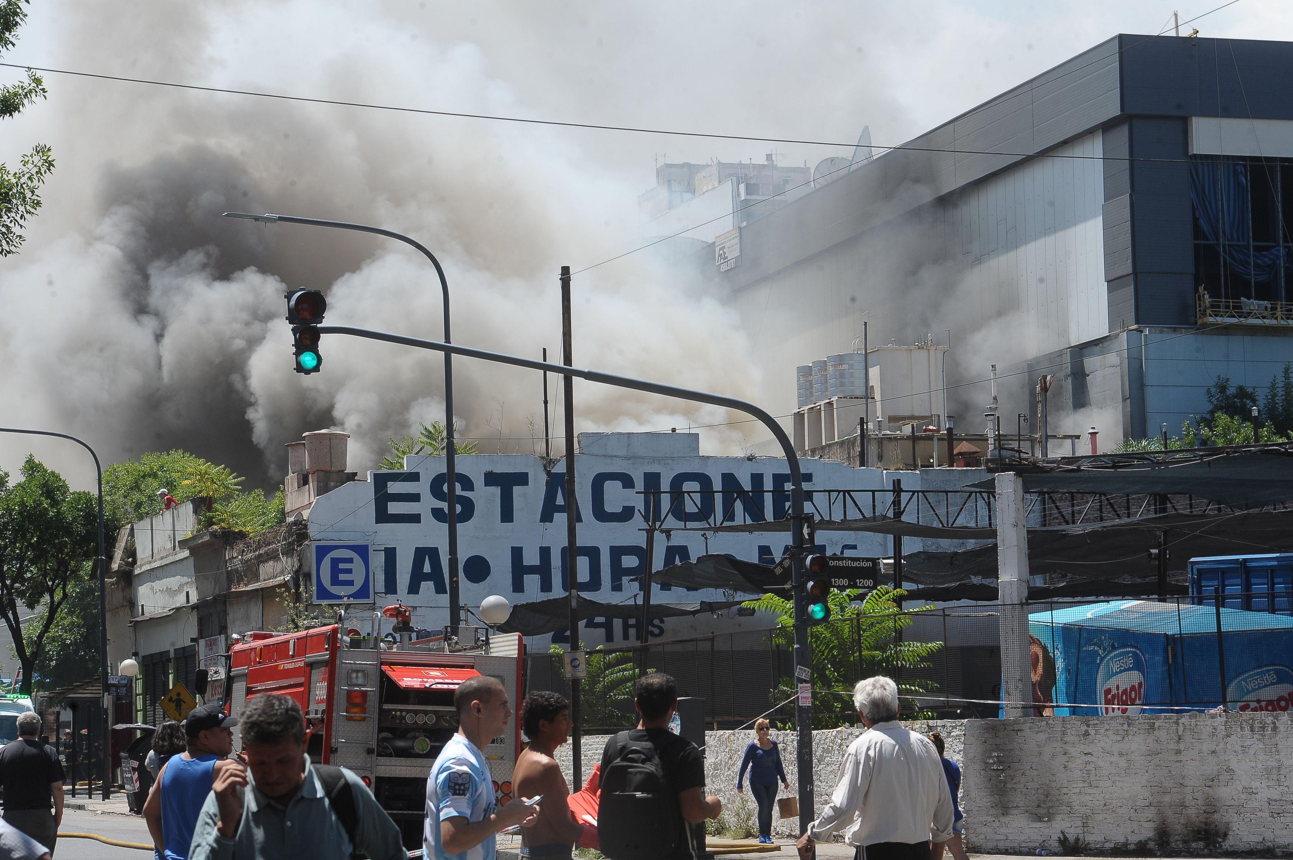 Las fotos del incendio en Canal 13 y TN