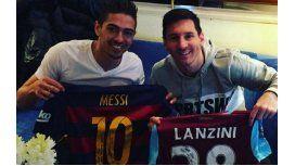 Lanzini cumplió su sueño: se sacó una foto con Messi