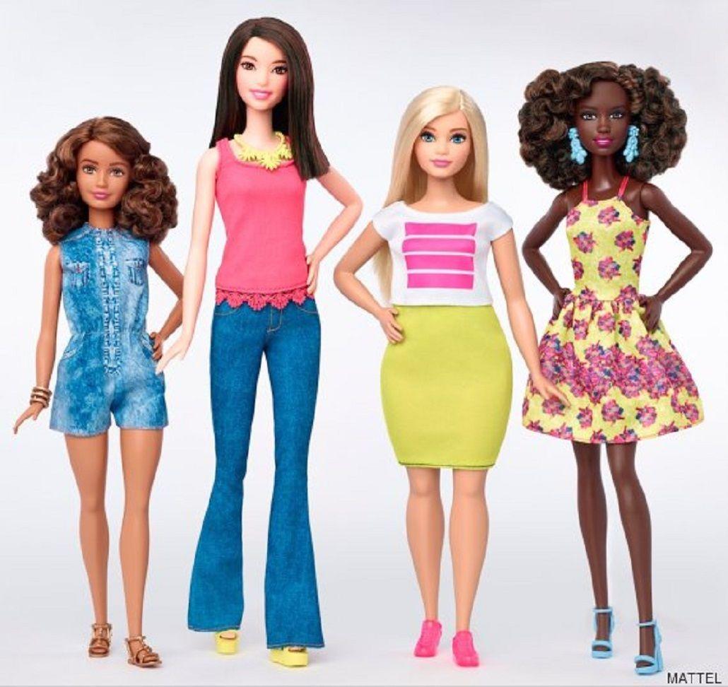 Presentan las nuevas Barbies con cuerpos reales: alta, voluptuosa y bajita
