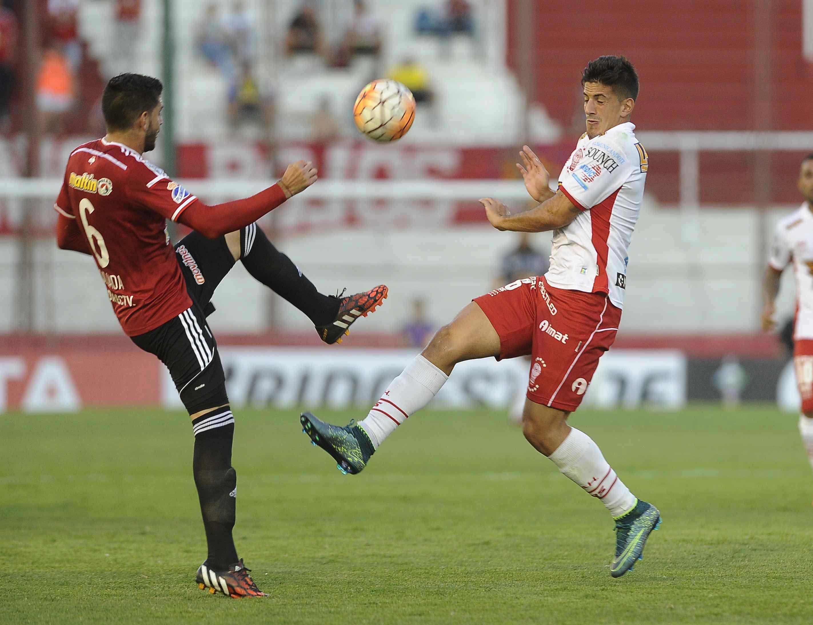 Huracán empezó con victoria su sueño en la Copa Libertadores ante Caracas en el Ducó