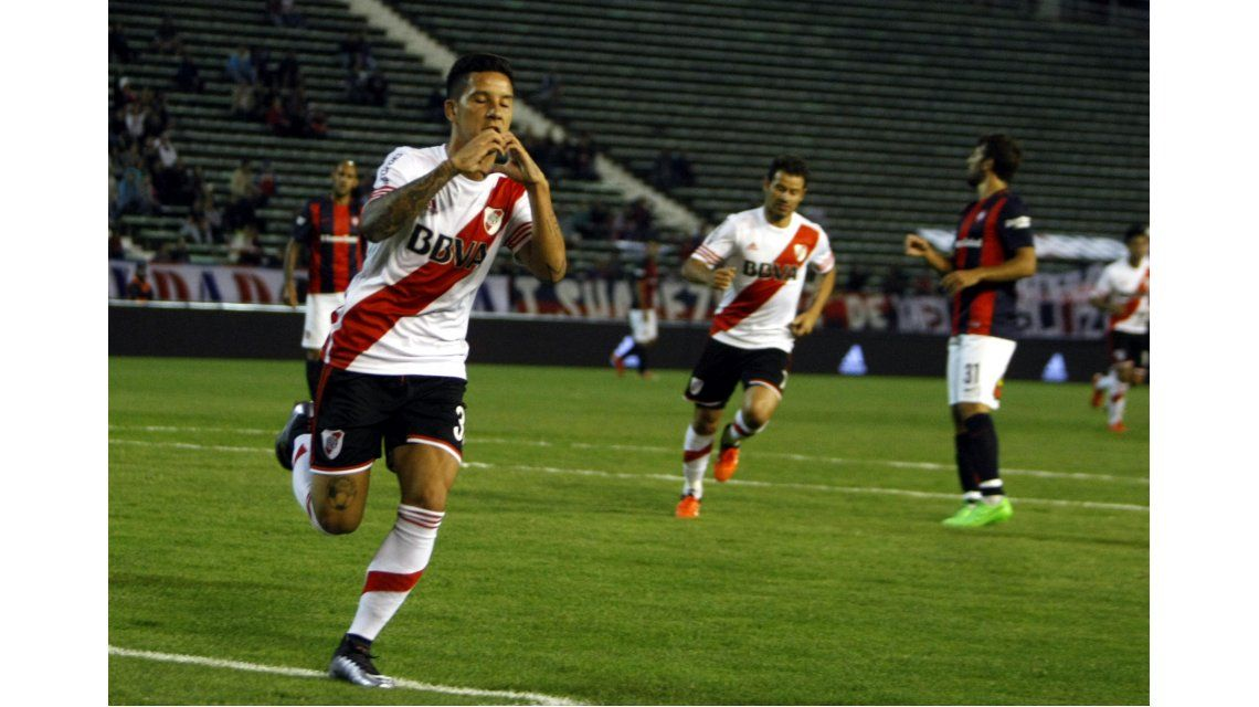 En un partido vibrante, River le ganó a San Lorenzo en Mar del Plata