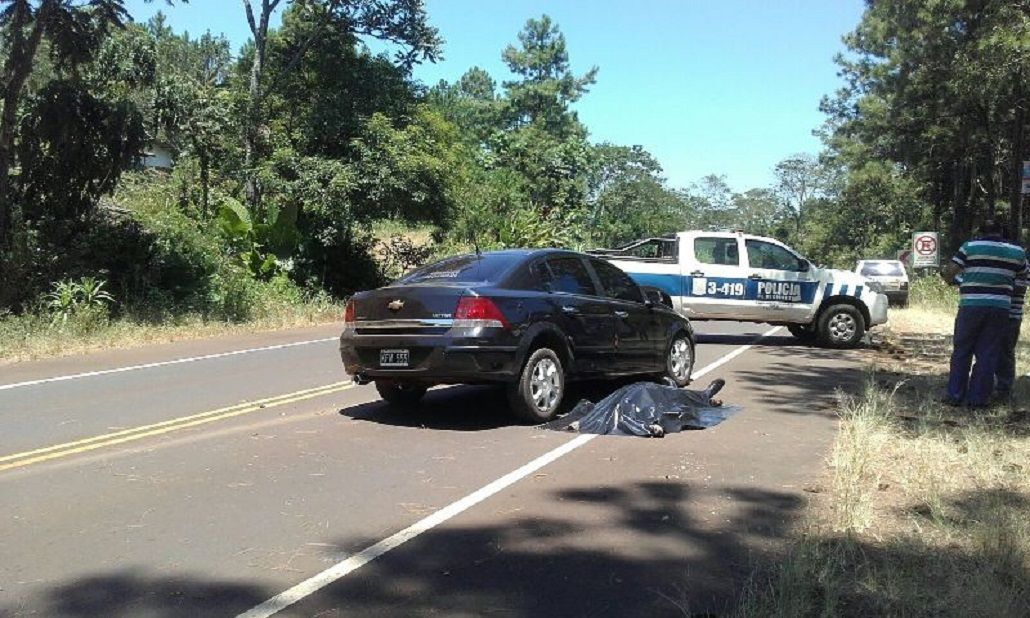 Un policía mató a un motociclista en un choque y se quitó la vida