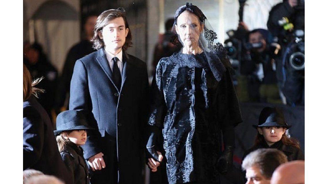 En el funeral de su marido, Celine Dion le cumplió el último deseo