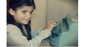 La campaña solidaria para ayudar a una nena con discapacidad visual