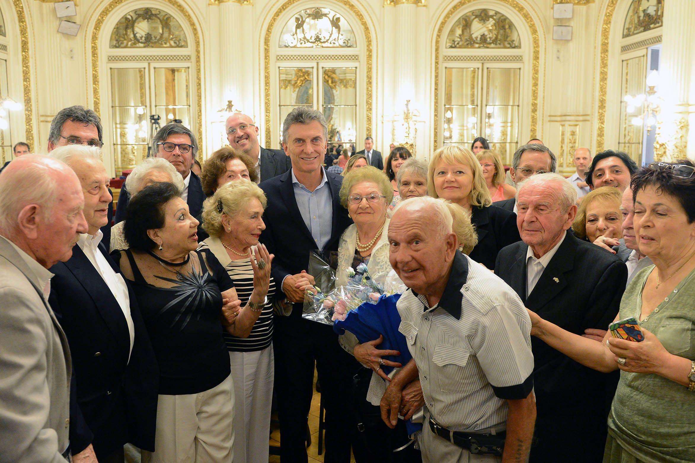 Macri homenajeó a las víctimas del Holocausto judío que viven en el país