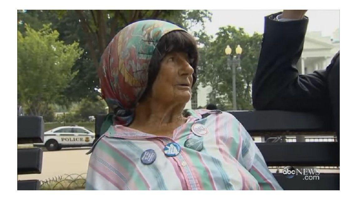Murió una activista que llevaba 35 años acampando frente a la Casa Blanca