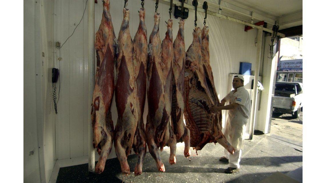 El campo rechaza la importación de carne y reclama revisar la cadena de valor