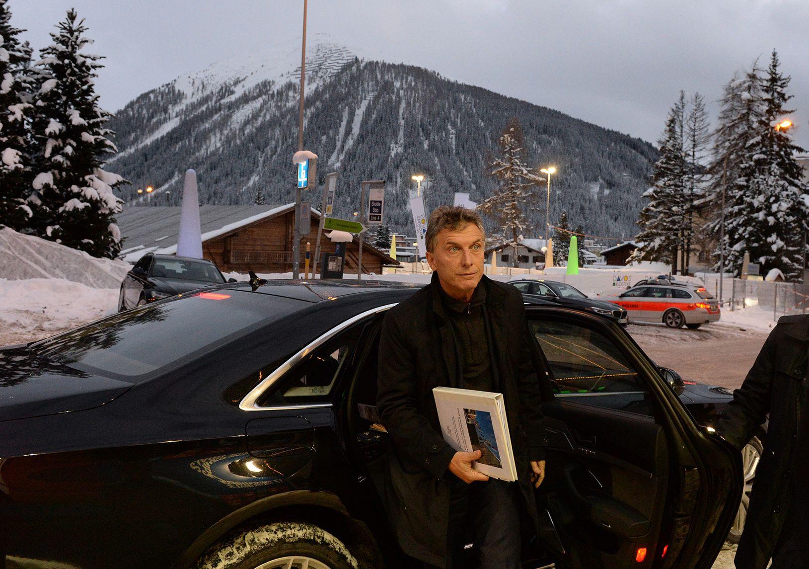 Macri llegó esta mañana desde Davos y partió rumbo a su quinta a descansar