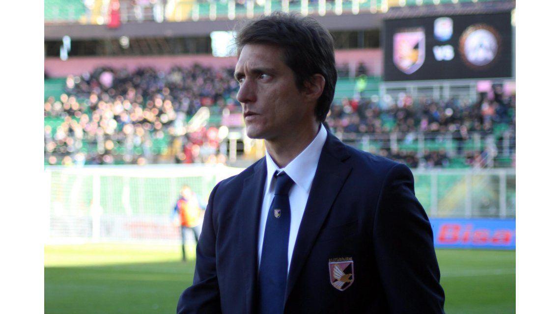 Bozal para Guillermo: el Palermo goleó, pero él no pudo dar indicaciones