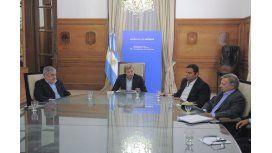 Das Neves se reúne este lunes con el Gobierno para monitorear acuerdo petrolero