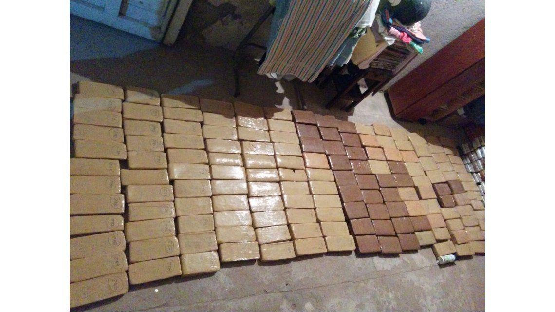 Incautaron en Catamarca 200 kilos de marihuana y 17 de cocaína: tres detenidos