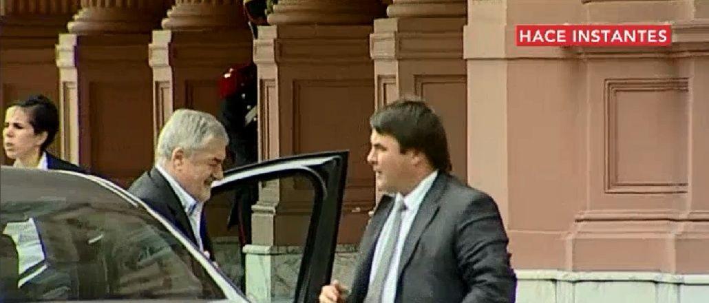 Gobernador de Chubut llegó a Casa Rosada por crisis petrolera