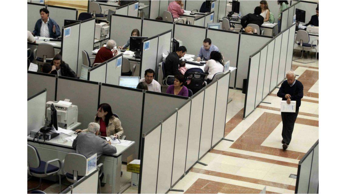 Crean un registro para contratar empleados públicos a través de las universidades