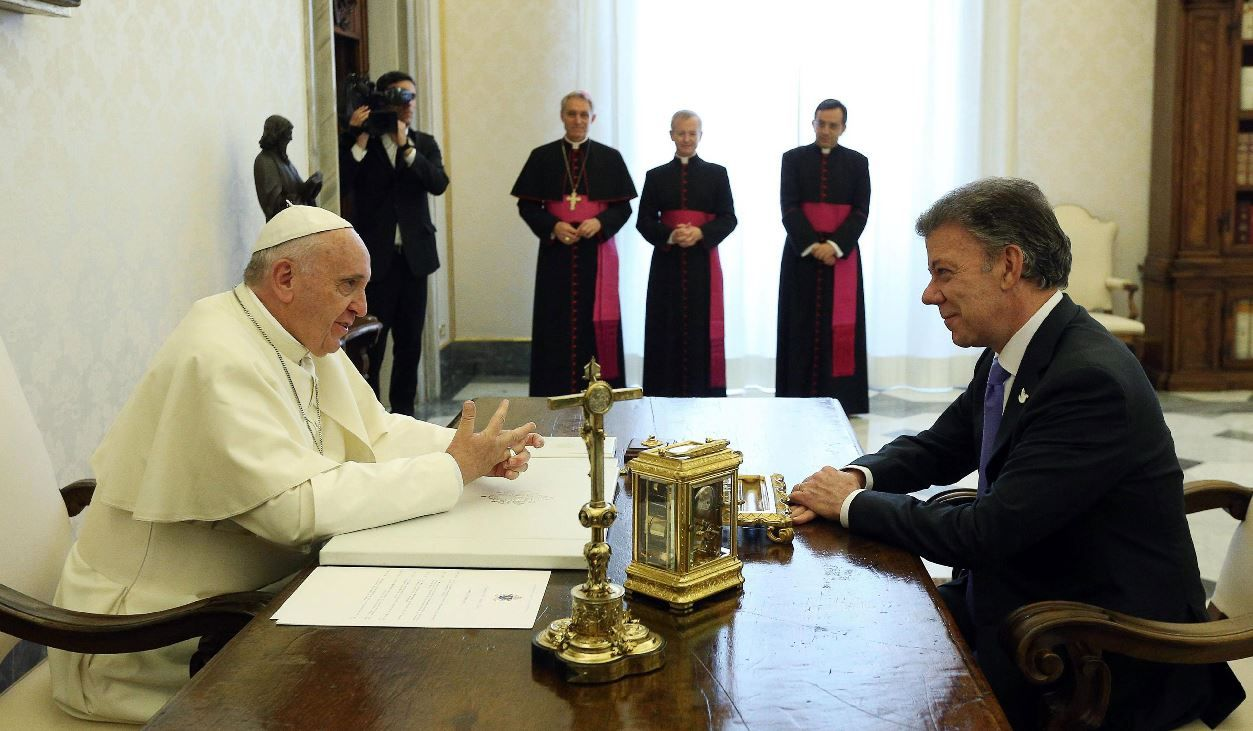 Francisco visitará Colombia en 2017 con o sin acuerdo de paz