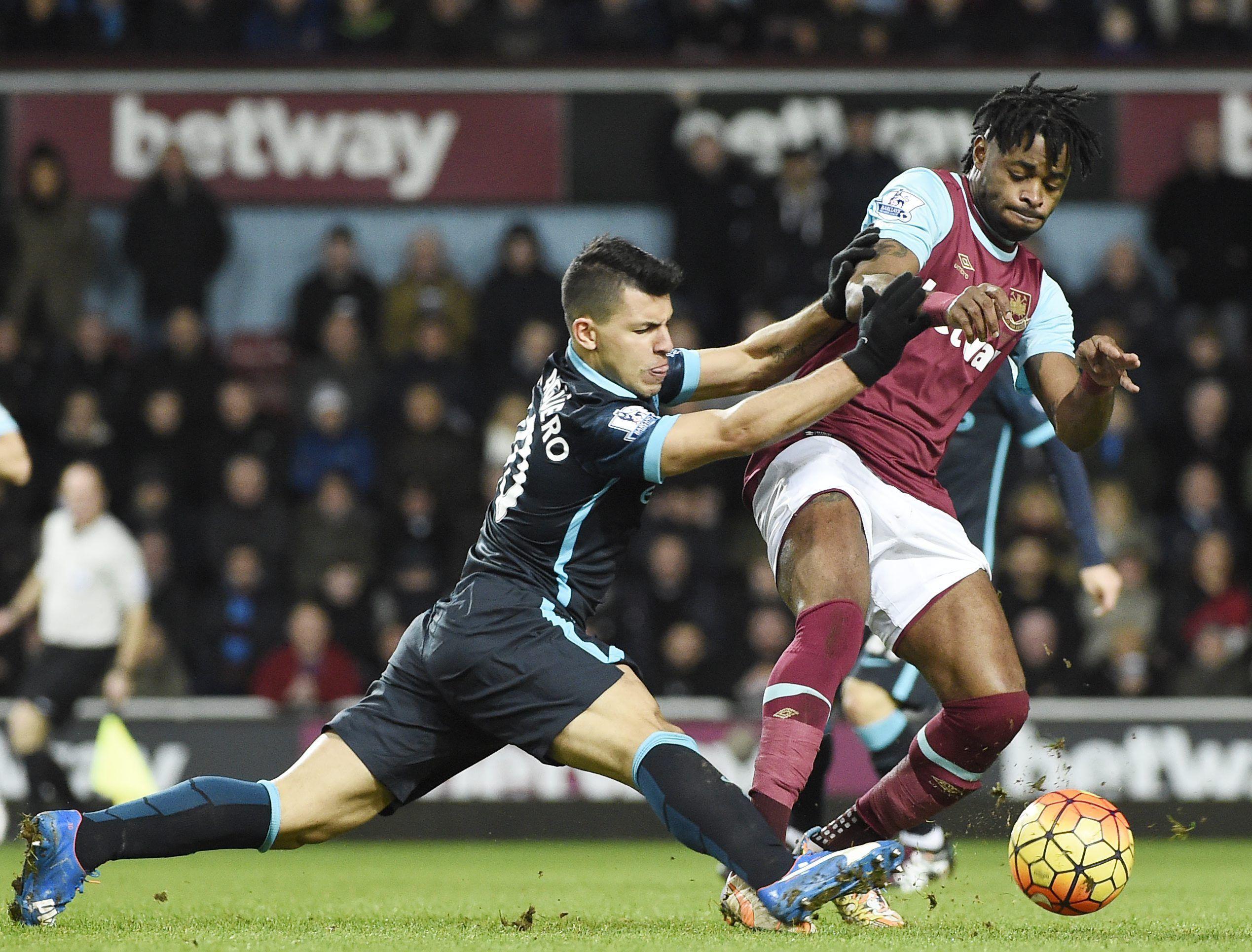 El Kun Agüero hizo dos goles y salvó al Manchester City