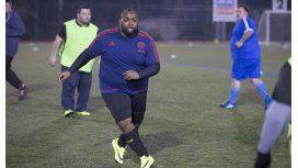 Fútbol para todos: crean la primera Liga para futbolistas obesos
