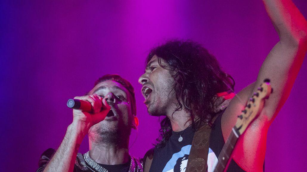 Tan Biónica y La Mancha de Rolando cantaron juntos en un show