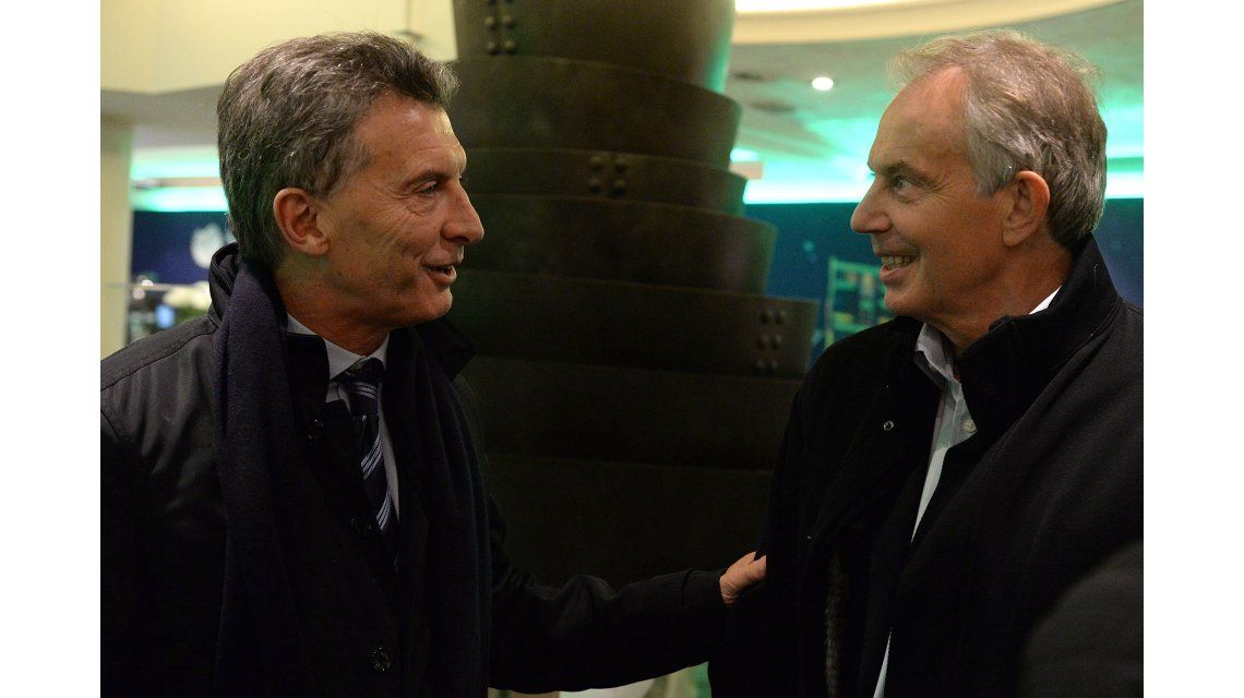 Tras reunirse con Cameron, Macri mantuvo un breve encuentro con Tony Blair