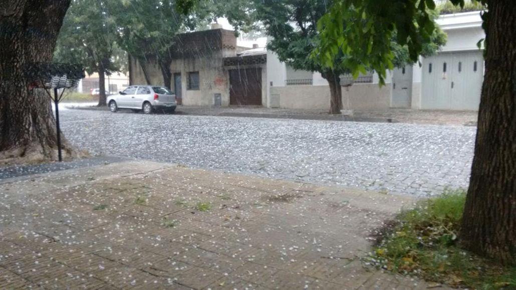 Se registró caída de granizo en La Plata