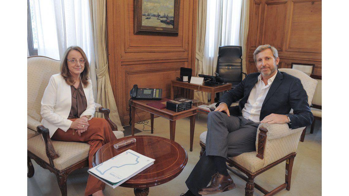 Con Macri en reposo, Frigerio siguió la agenda y recibió a Alicia Kirchner