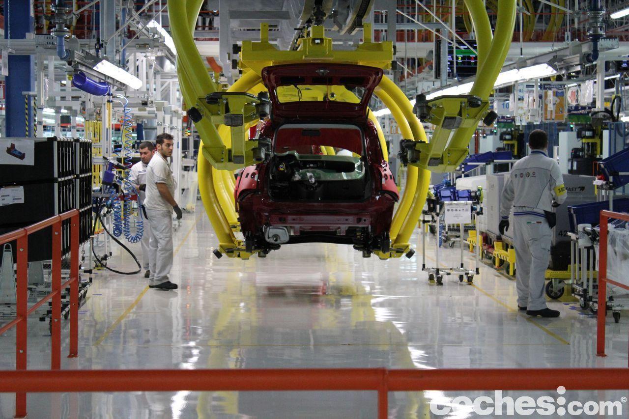 Jueves negro para las automotrices: Fiat y Renault acusadas de fraude
