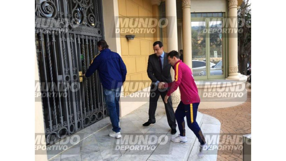 Alarma: Messi, en una clínica médica por sus molestias físicas