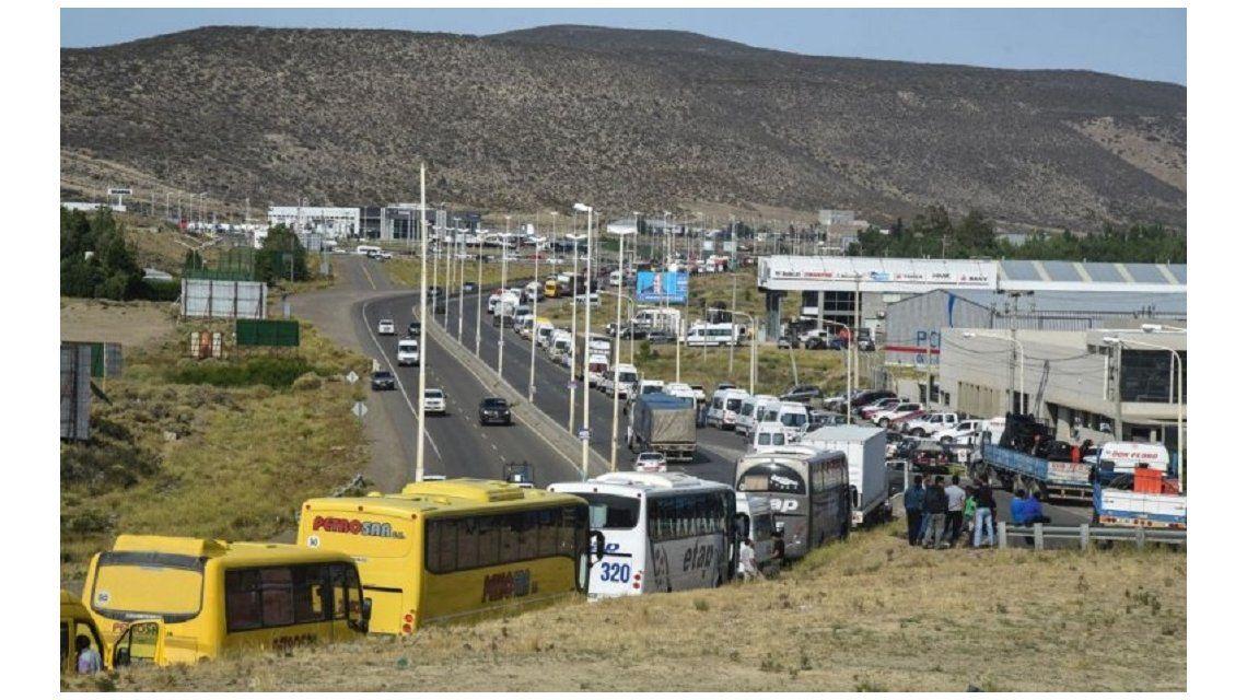 Se agrava conflicto petrolero en Chubut y desde este miércoles paralizan la actividad