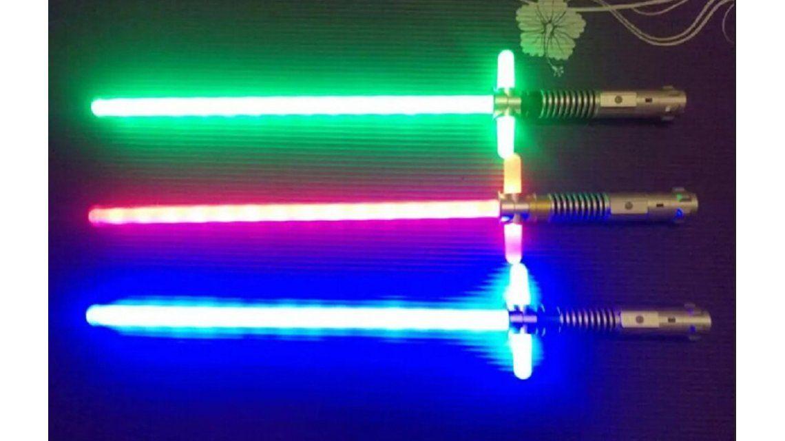 Alertan que los juguetes con láser como las espadas de Star Wars pueden dañar la visión