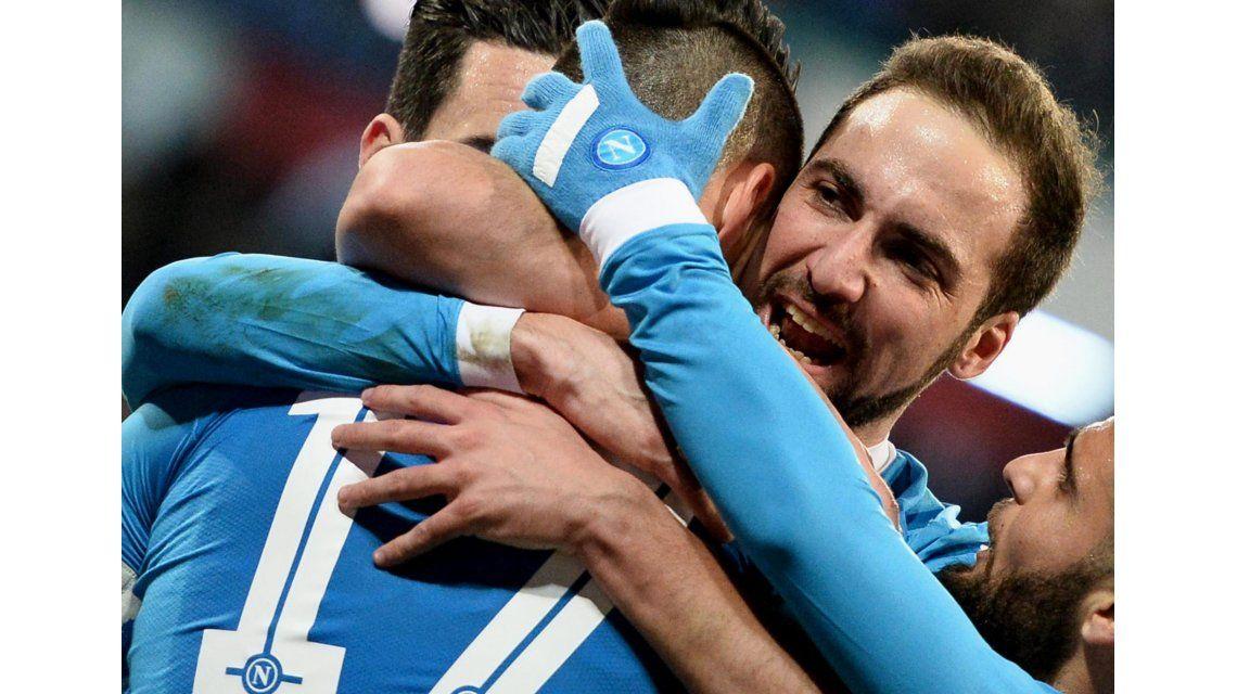 Imparable: Higuaín marcó un doblete y le dio una nueva victoria a Nápoli