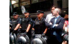 Sabbatella: No les importan las instituciones