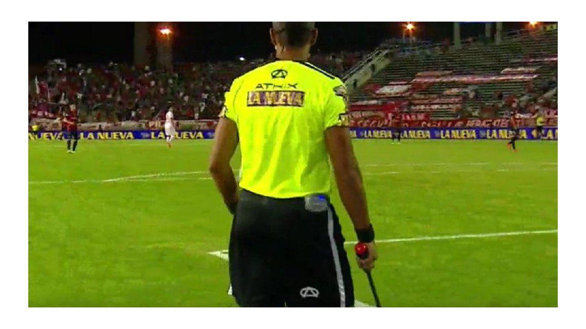 Debutó el sistema de seis árbitros, aunque no tuvieron nada que hacer