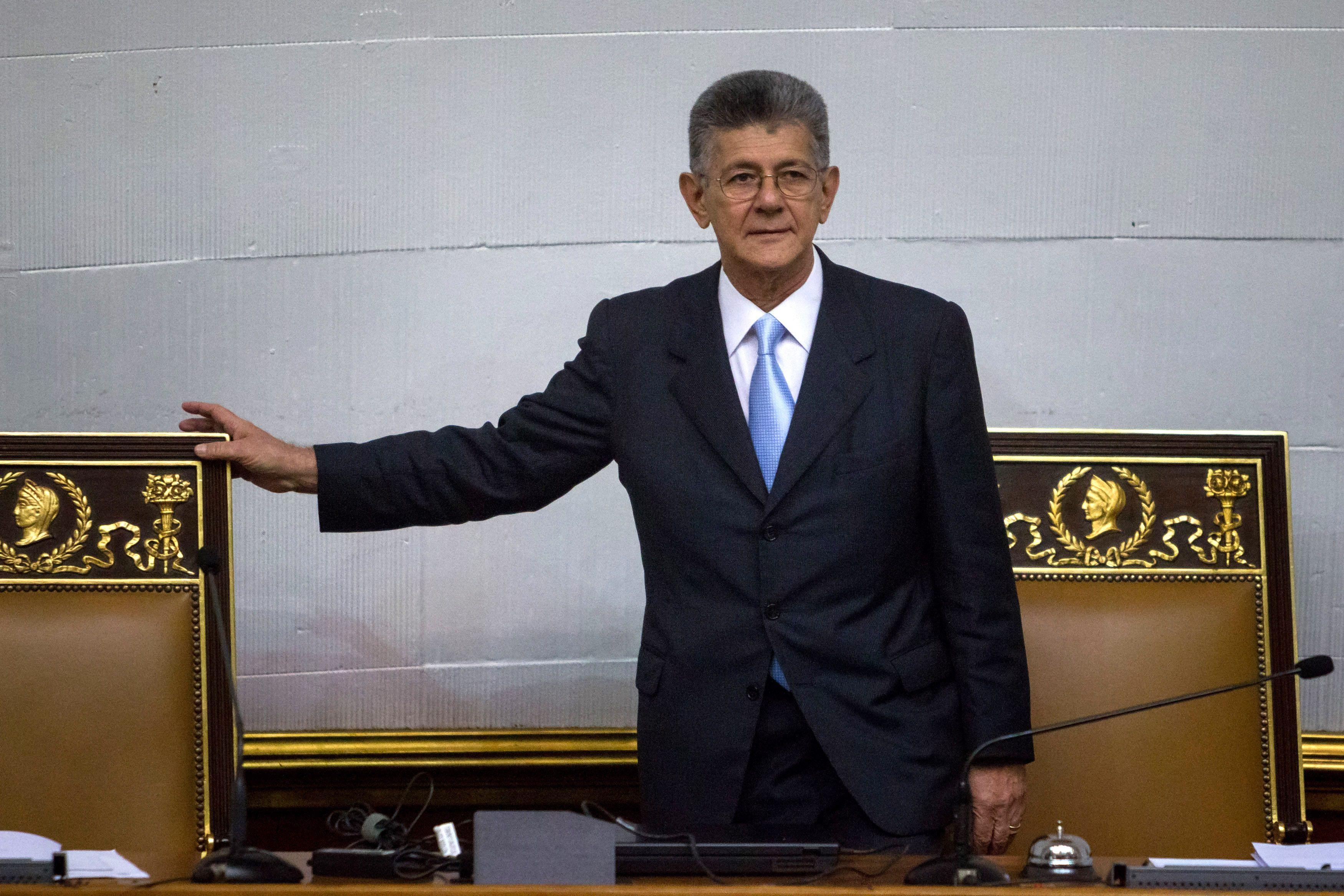 El congreso venezolano perdió tres legisladores opositores electos