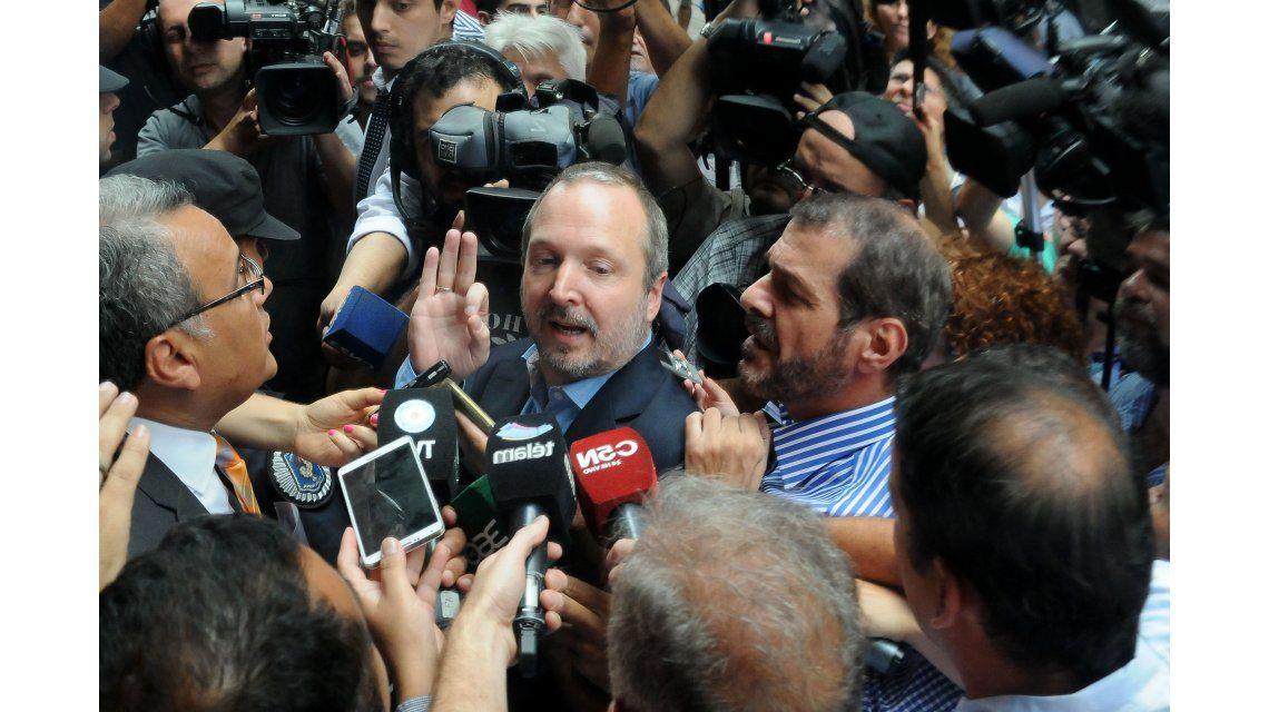 Sabbatella lo logró: ingresó al edificio de la Afsca tras el decreto de Macri