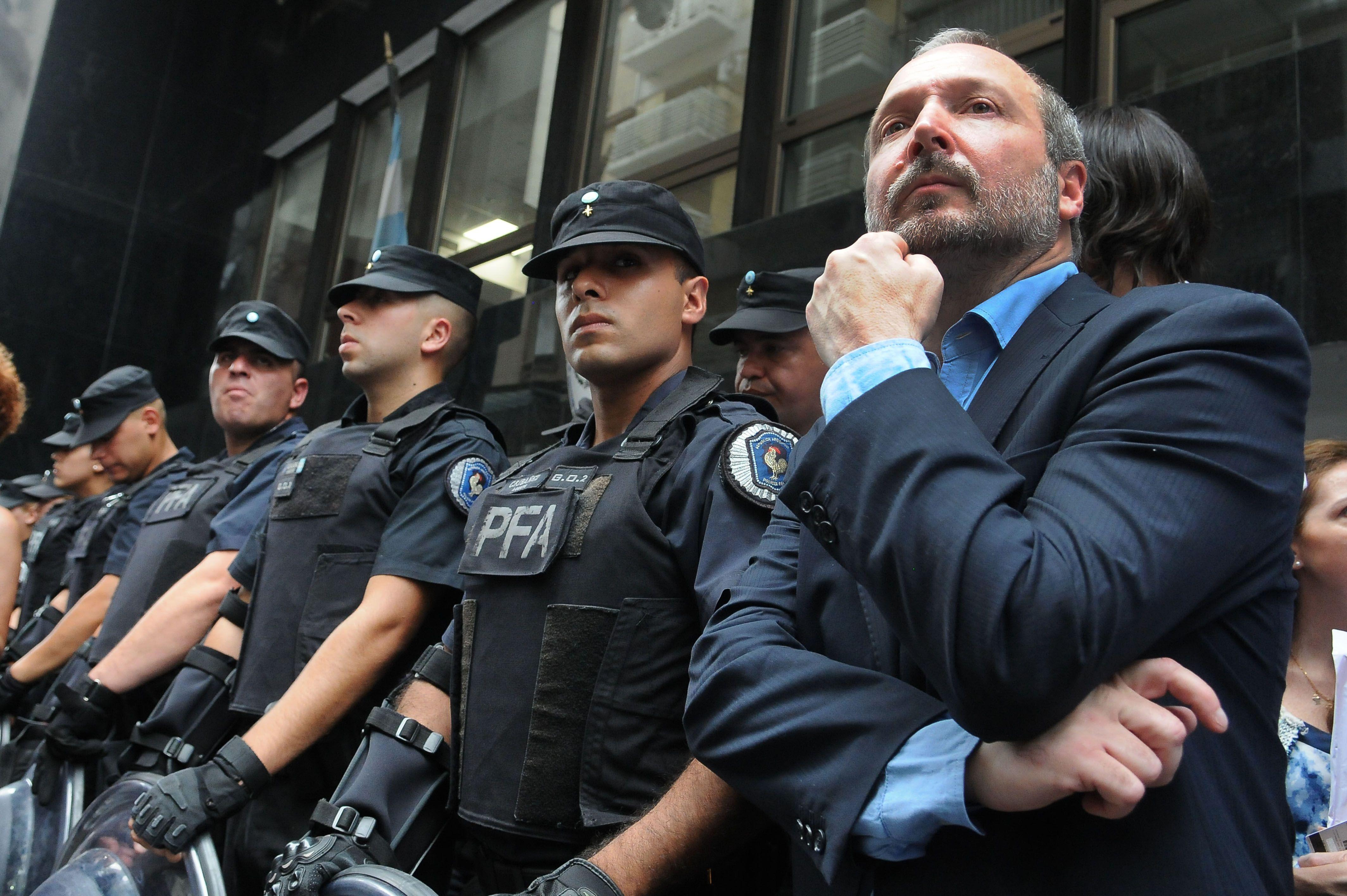 Sabbatella denunció al Gobierno nacional por desobededecer fallos