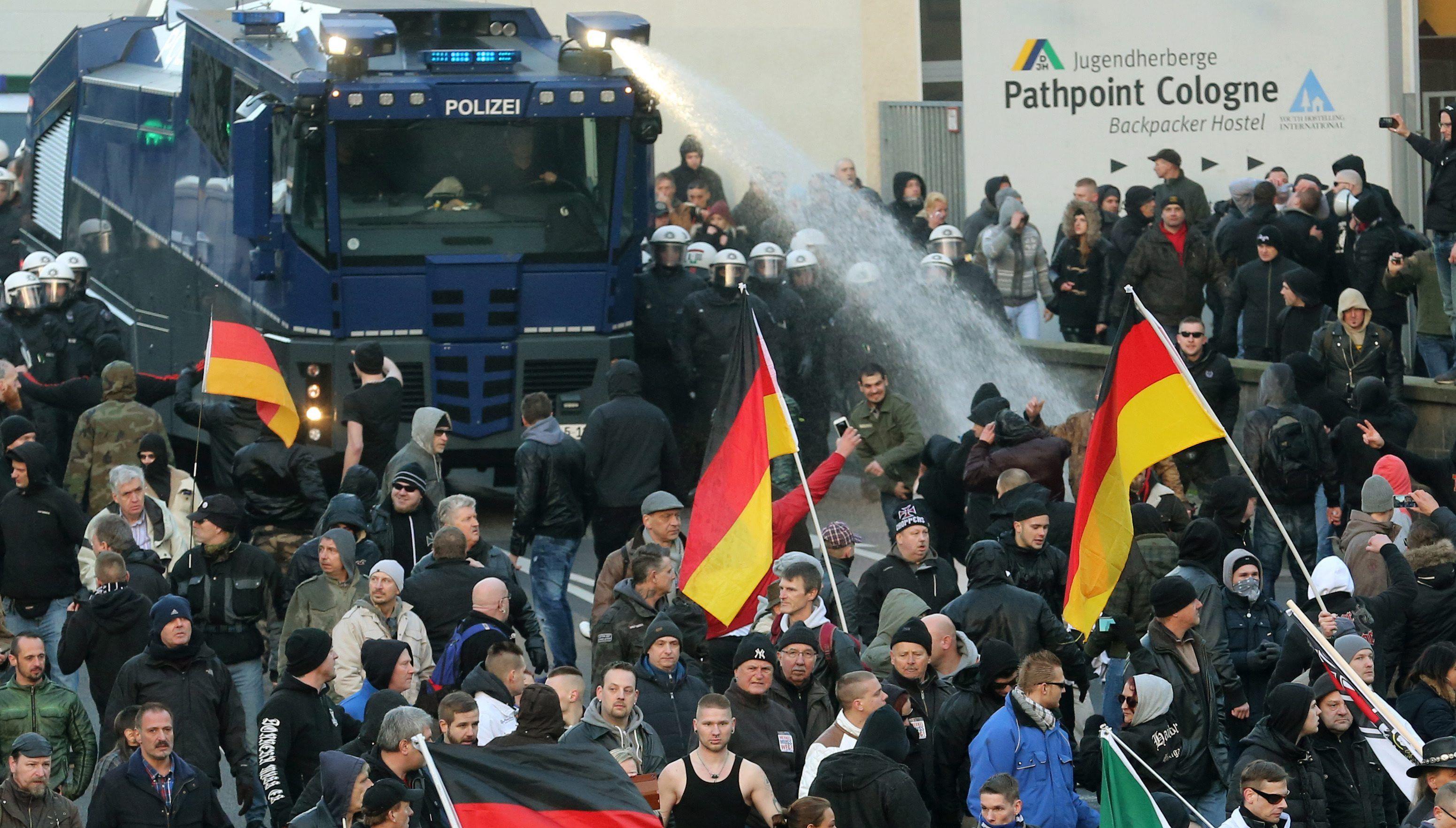 Multitudinaria marcha en Alemania en repudio a las violaciones de Año Nuevo
