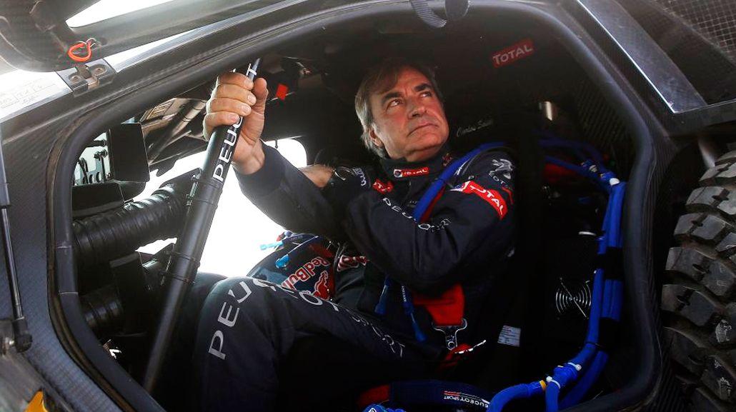 Carlos Sainz abandonó y el Dakar 2016 tiene nuevo líder en autos