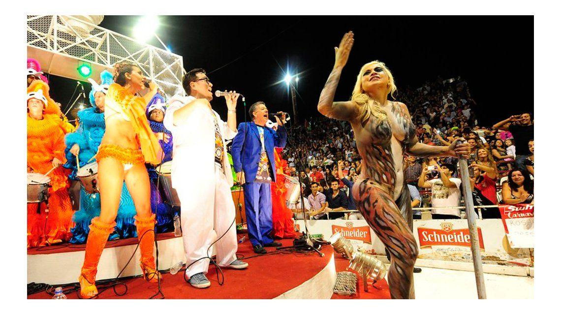 Verónica Ojeda y un body painting que encendió el Carnaval de Gualeguaychú