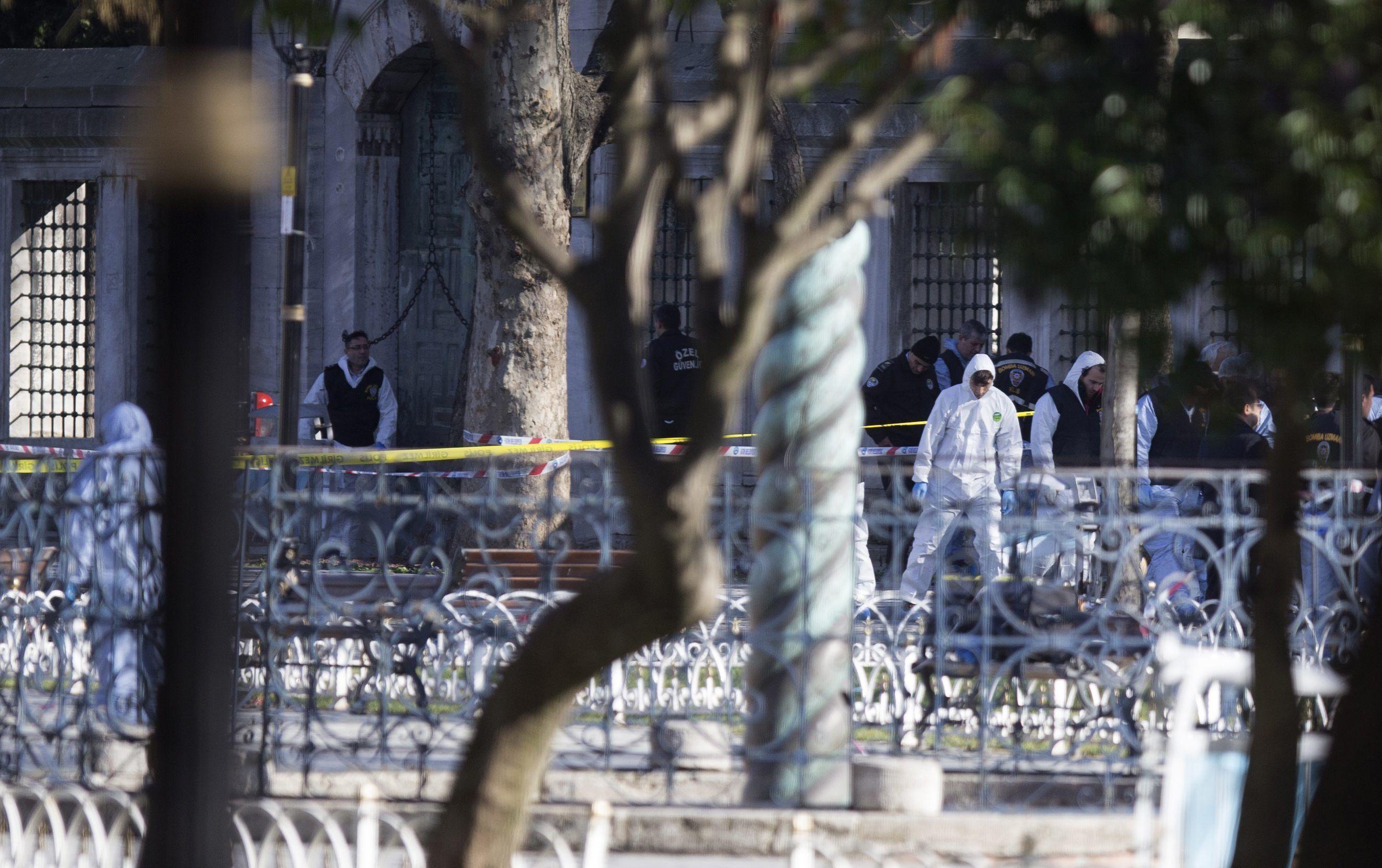 Al menos diez muertos por una explosión en un centro turístico de Estambul