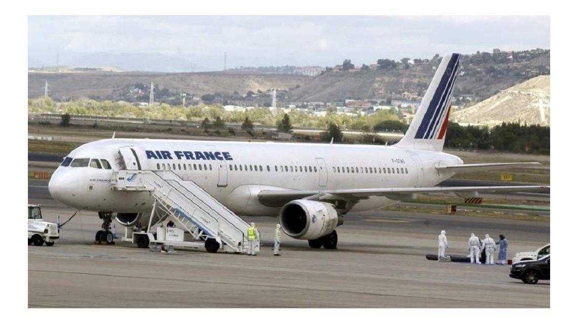 Hallan un cadáver en el tren de aterrizaje de un avión de Air France