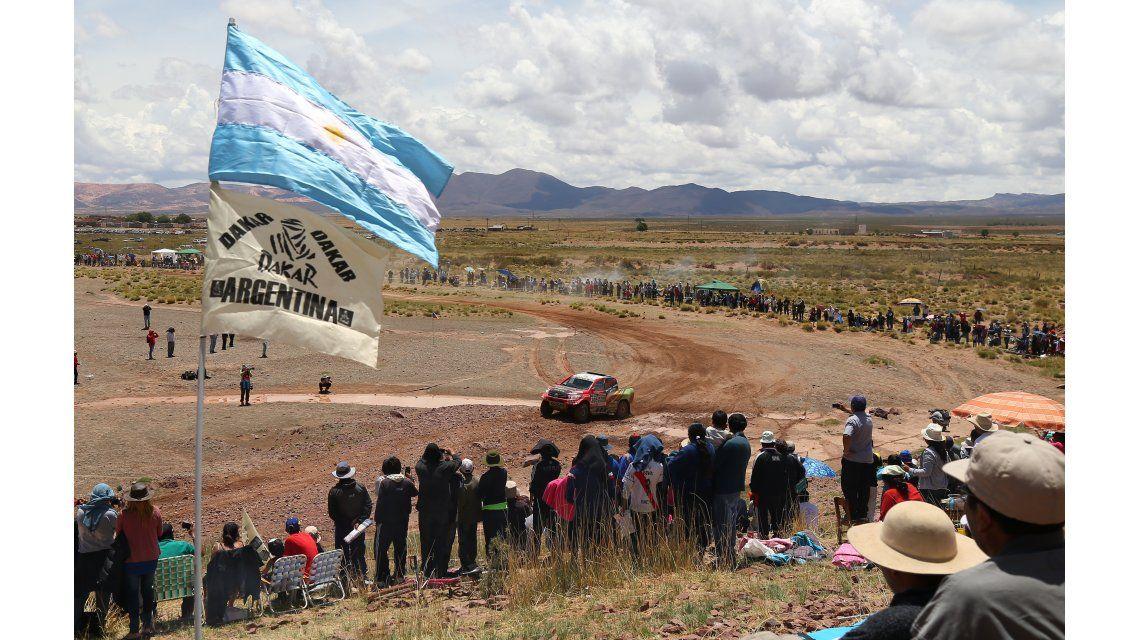 Dakar, etapa 5: los vehículos comienzan a transitar suelo boliviano