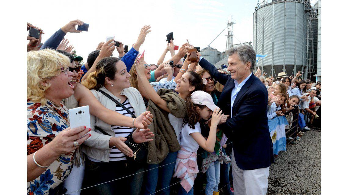 Macri viaja a Santa Fe para hacer anuncios para el sector lechero
