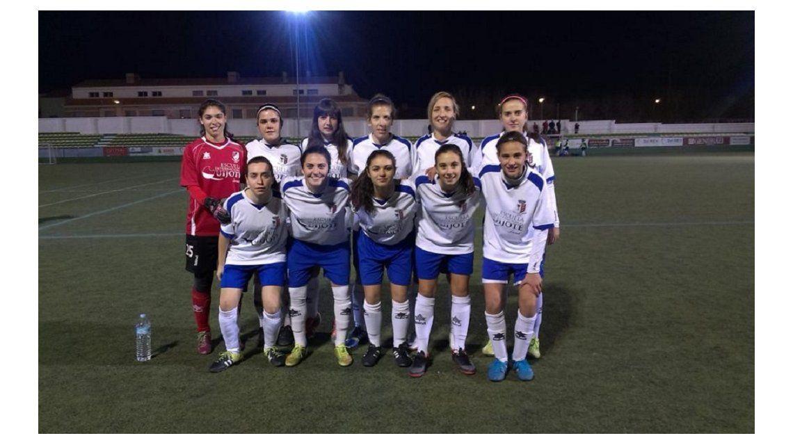 Date vuelta, guapa: un equipo femenino se retiró por los piropos de un árbitro