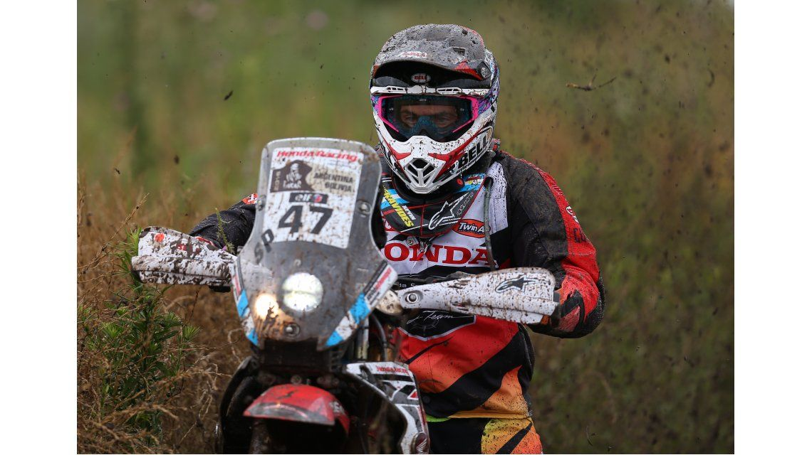 Dakar: el argentino Benavides llegó segundo en la tercera etapa de motos