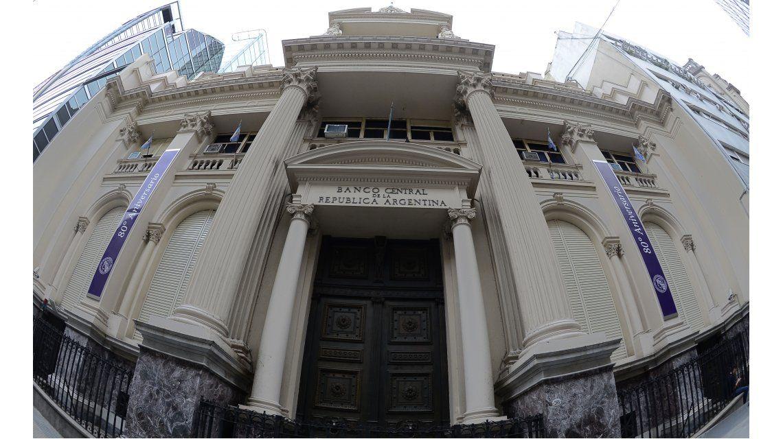 Para evitar un embargo buitre, el Central retrasa un préstamo por US$8 mil millones