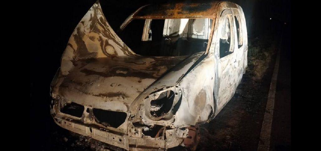 Encontraron incendiada una camioneta parecida a la que le robaron a la ex suegra de Lanatta