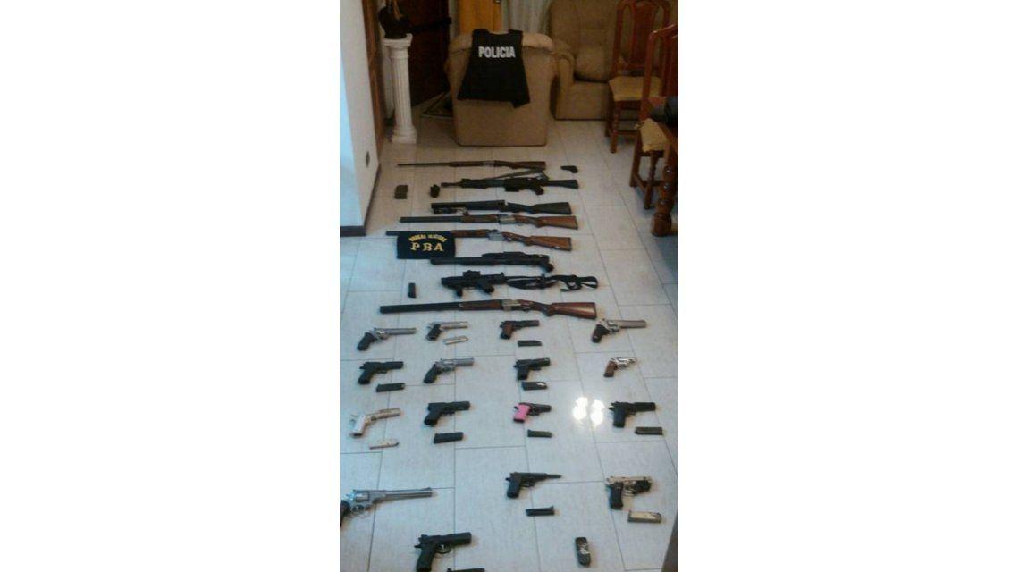 Secuestraron más armas en allanamientos para dar con los prófugos