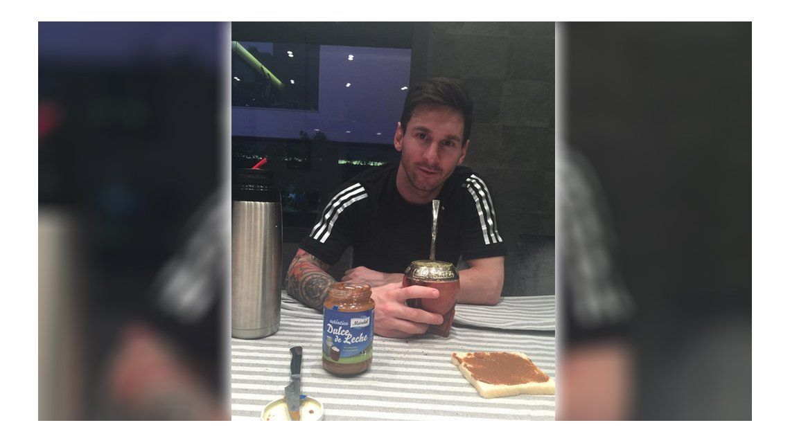 Más argentino que nunca: Messi, a puro mate y dulce de leche en Barcelona